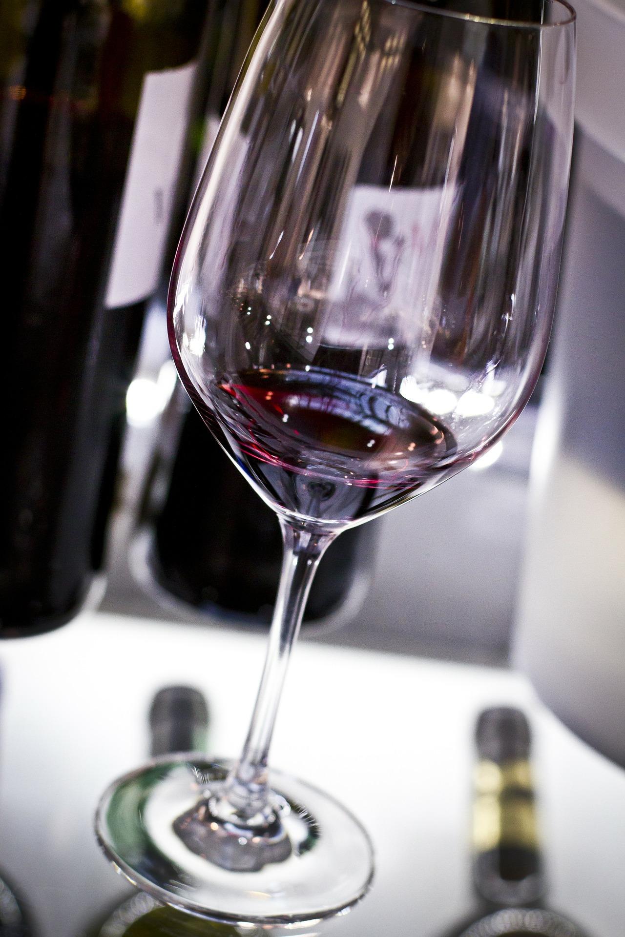 wine-330618_1920